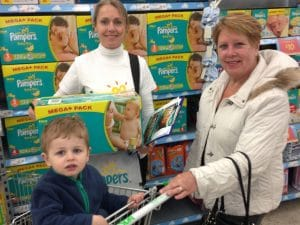 Experiential Marketing Product Sampling pampers-case-study-in-store-brand-ambassadors-presenting-new-product-range-of-pampers-at-asda-supermarket02