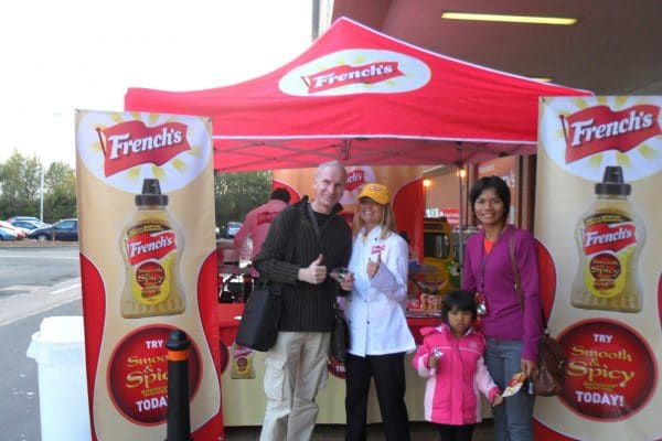 Experiential Marketing Product Sampling frenchs-mustard-case-study-experiential-sampling-in-front-of-100-tesco-and-sainsburys-supermarkets-003