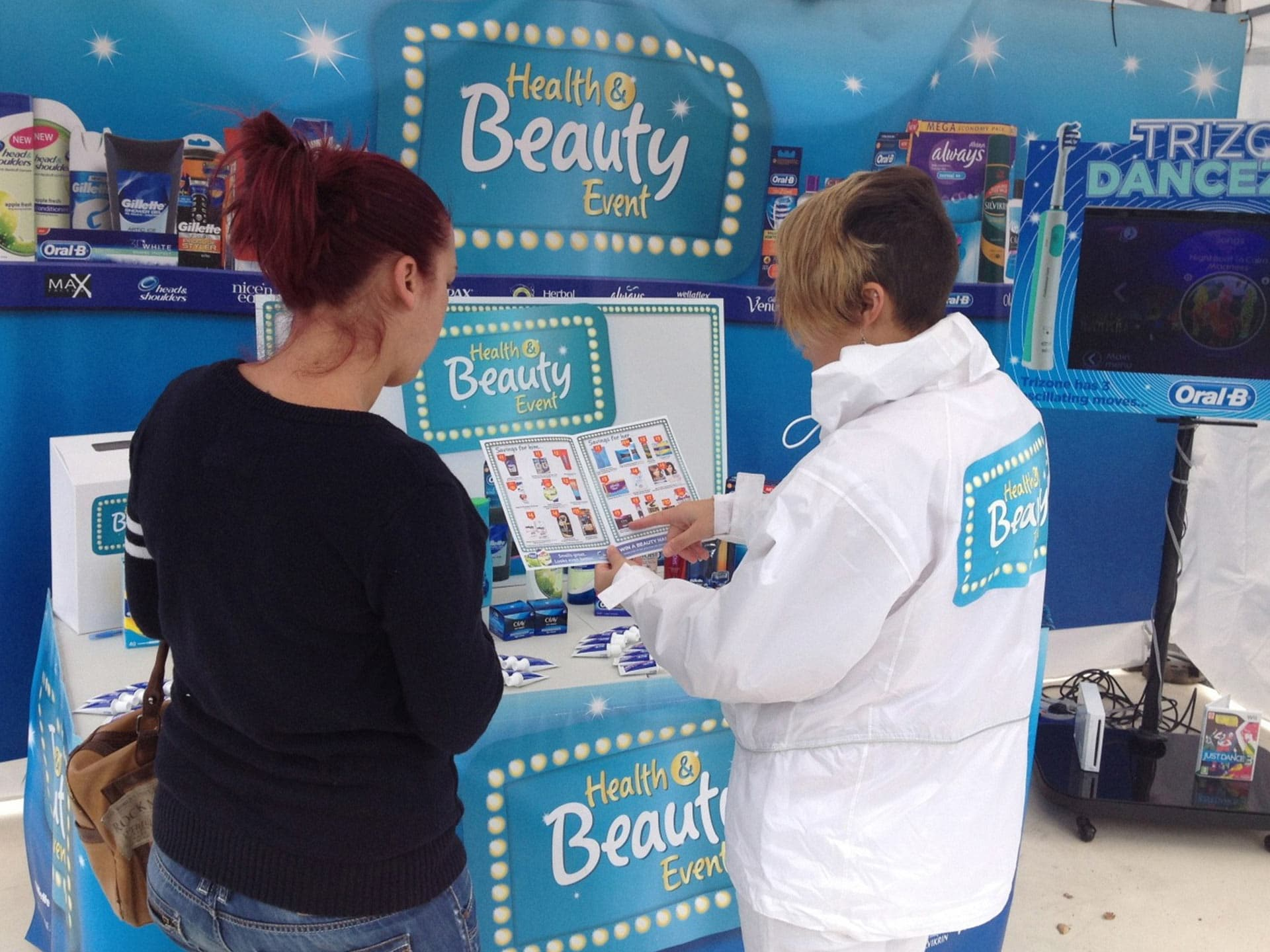 Oral B Product Demonstration, Experiential demonstration, Product Sampling, shopper marketing agency, convenience sampling, retail marketing agency, marketing campaign, promotion